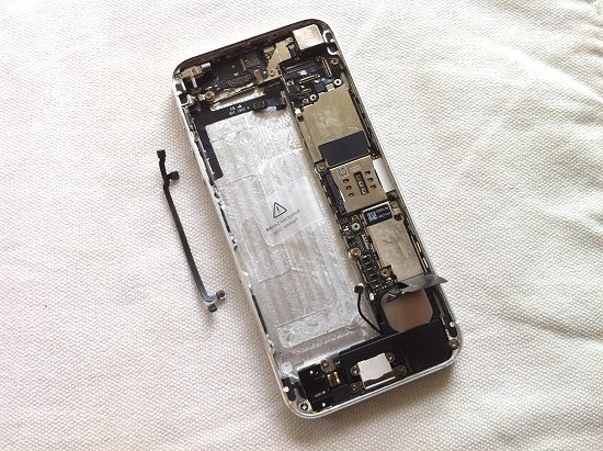 iPhone 5 disassembly stage 29