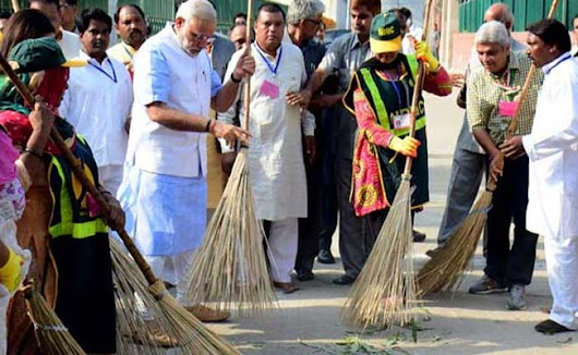 Shashi Tharoor on PM's Invite to Join Clean India Campaign