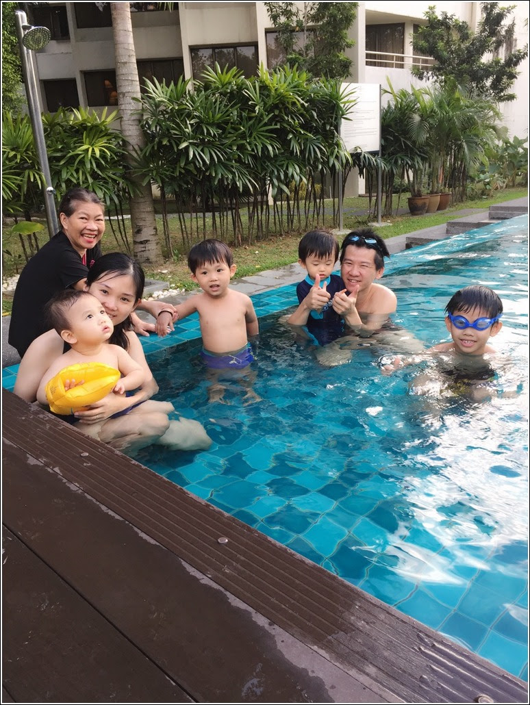 A quick dip into Dorsett Grand Subang's swimming pool (image credit: submerryn.com)