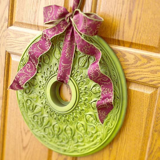 Merry Medallion Wreath