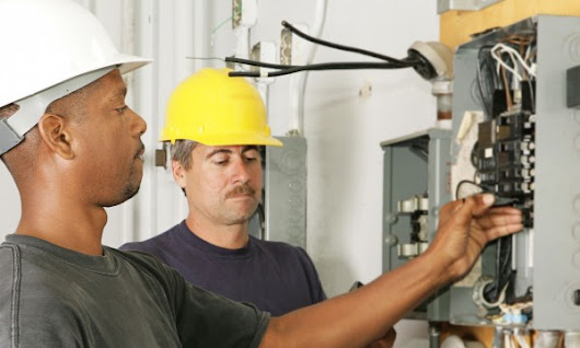 What to know before calling an electrician - Lethbridge Electric Ltd.