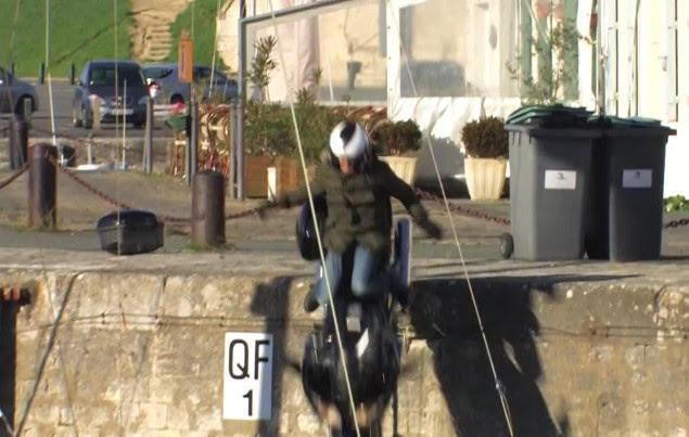 Video: Sometimes Moto Journalists Crash Bikes off Piers lolo moto journal yamaha fjr1300a crash pier 635x403