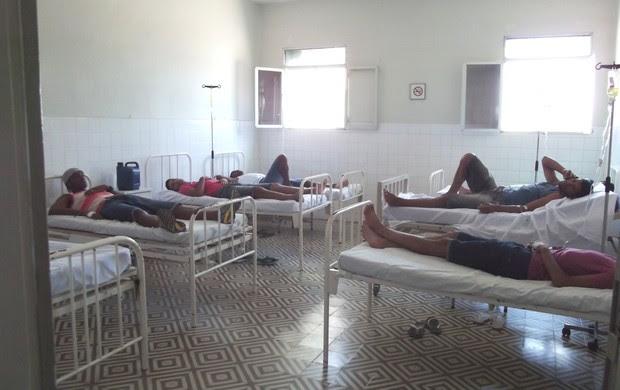 dor de barriga generalizada no time do Cruzeiro-PB (Foto: Luiz Carlos Roque / Globoesporte.com/pb)