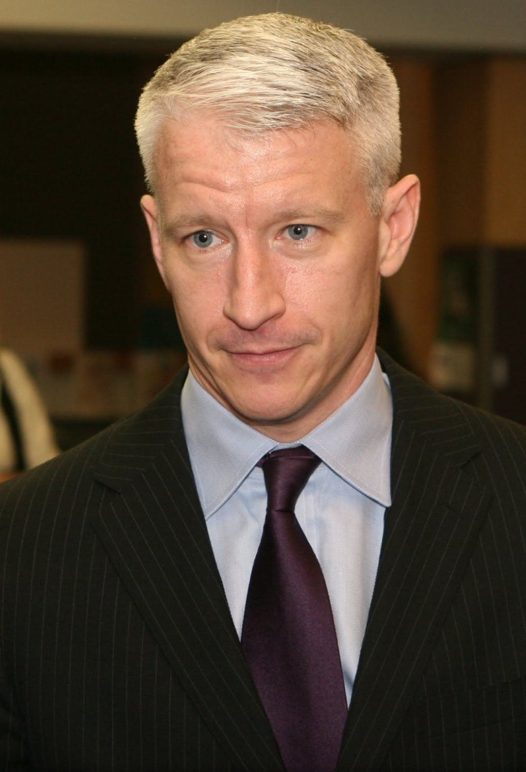 http://upload.wikimedia.org/wikipedia/commons/1/15/Anderson_Cooper.jpg