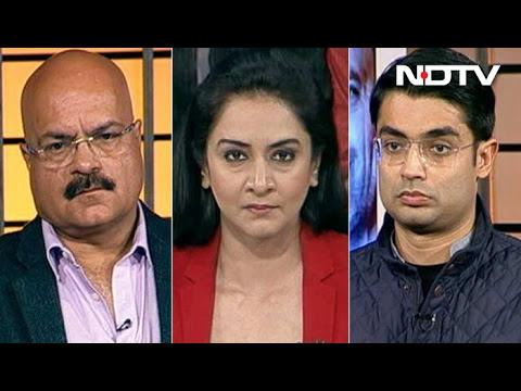 मुकाबला : यूपी चुनाव में मुद्दों से ज़्यादा मार्केटिंग पर ज़ोर?