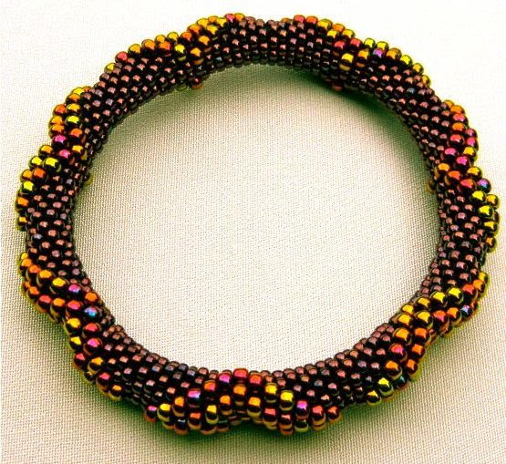 Bead Crochet Pattern:  Large Dimensional Diamonds All On The Outside. #beadwork via Etsy.