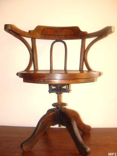 table et chaises de terrasse fauteuil bureau bois pivotant. Black Bedroom Furniture Sets. Home Design Ideas