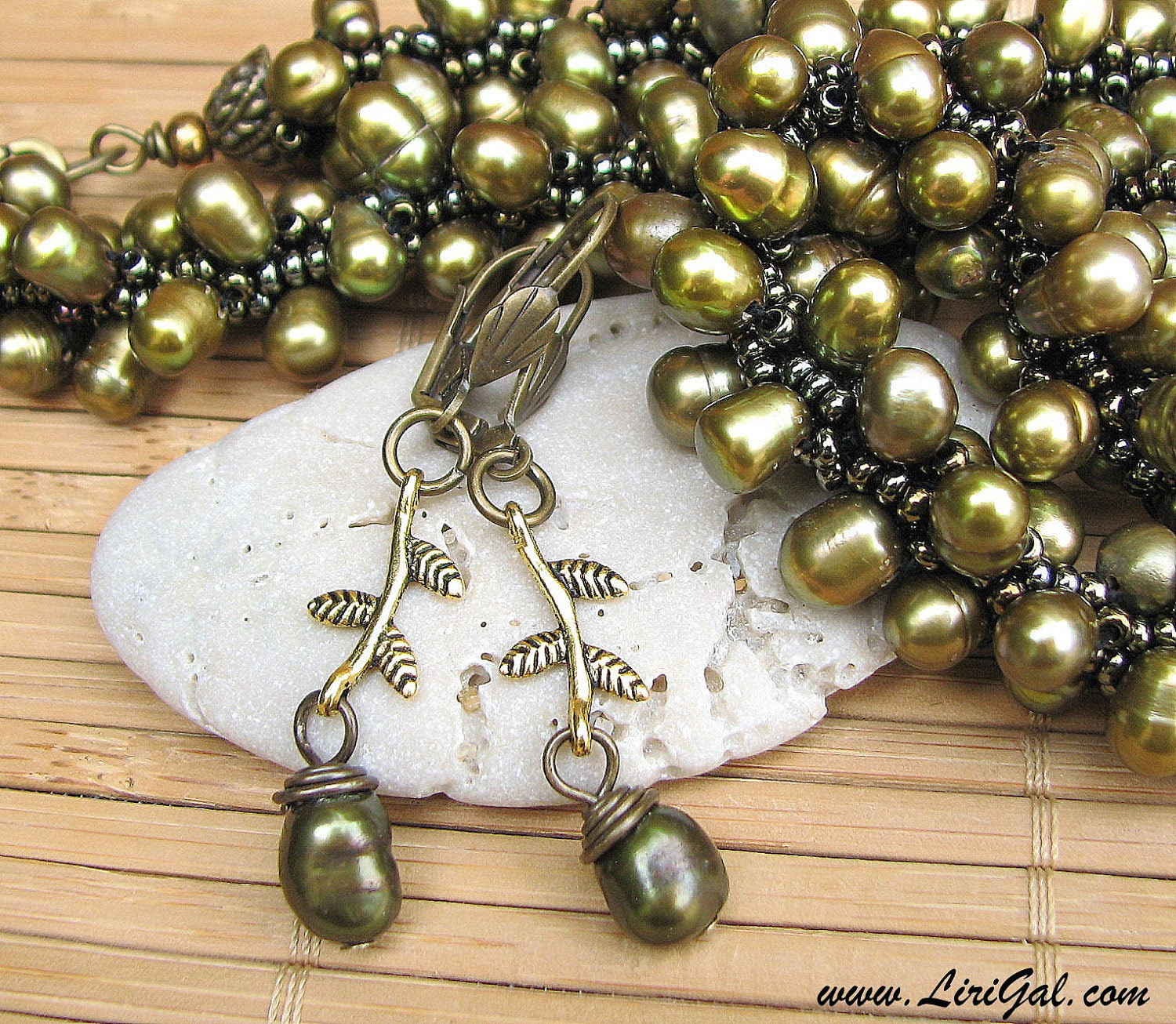 Vintage Style Earrings with fresh water pearls