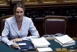 Rifiuti, governo battuto alla Camera poi il decreto torna in Commissione