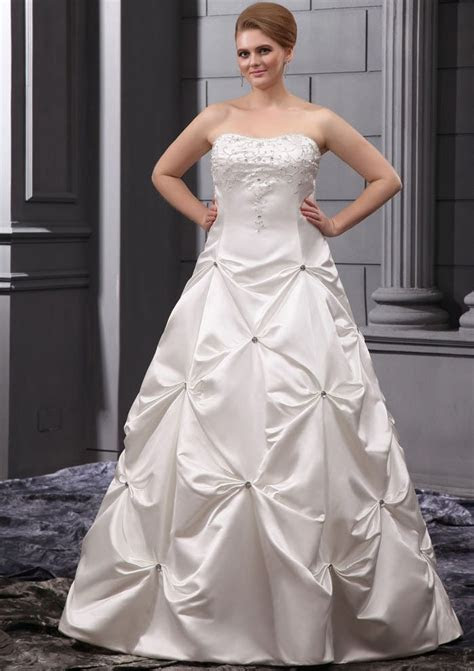 Cheap Plus Size Wedding Gowns   Wedding and Bridal Inspiration