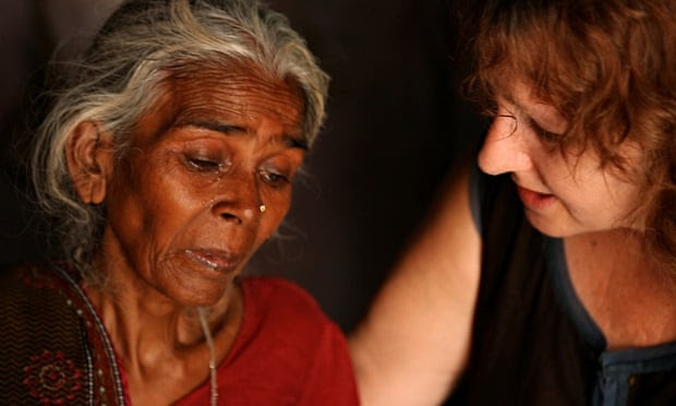 India's Daughter: leslee udwin with mother of mukesh singh