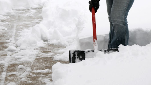 How to Clear Snow Safely and Efficiently - ABC News