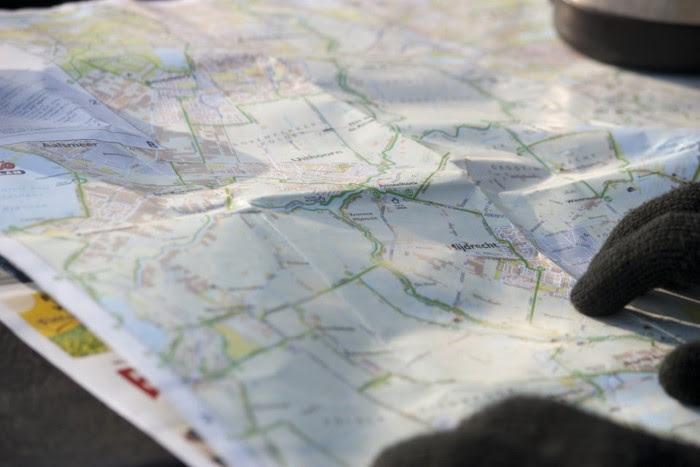 خرائط ورقية