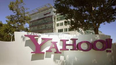 Yahoo CEO Marissa Mayer touts 800 million users, defends logo