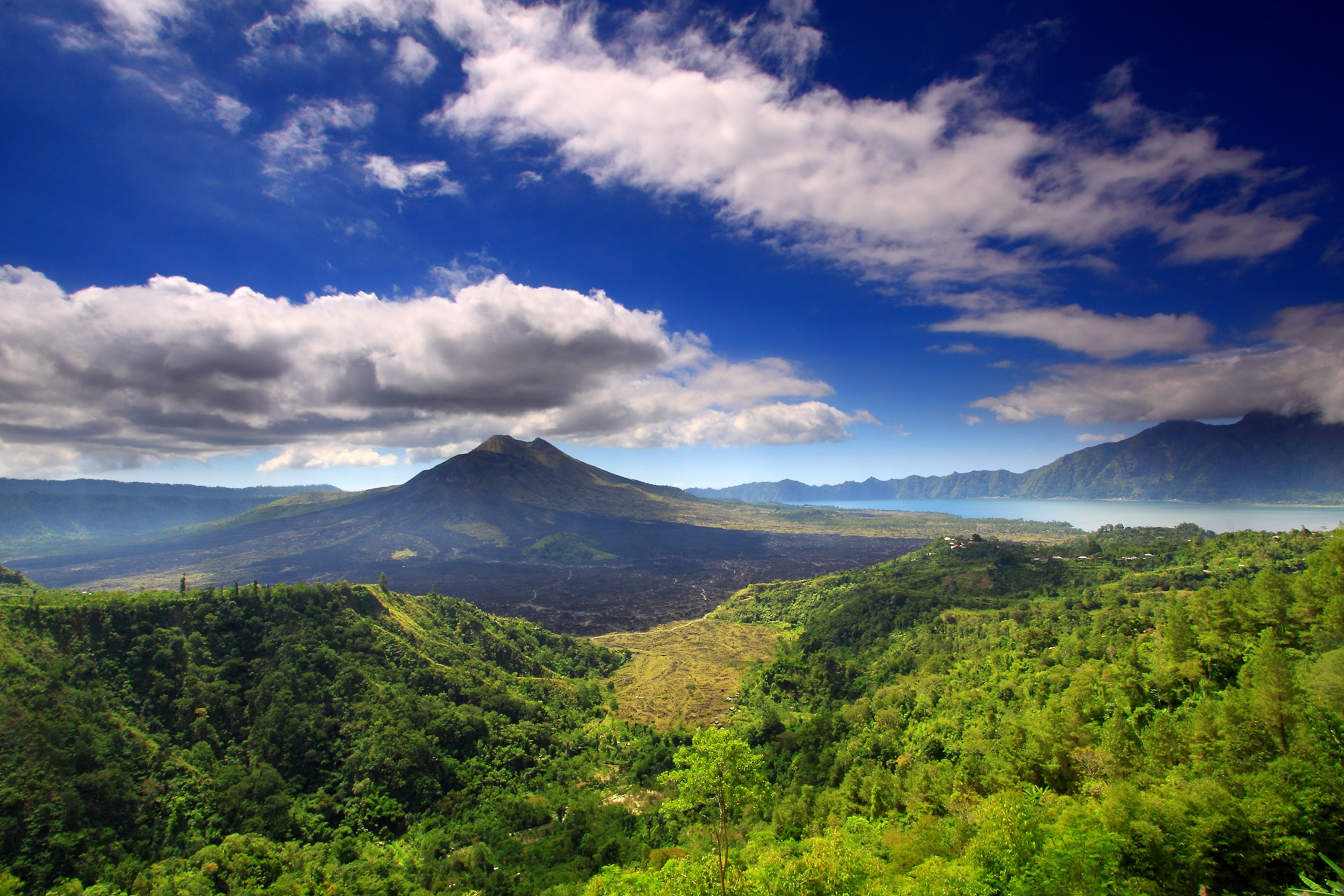 Mount Batur Bali Island Location Map,Location Map of Mount Batur Bali Island,Mount Batur Bali Island accommodation destinations attractions hotels map reviews photos pictures,mount batur last eruption hike temperature climb weather