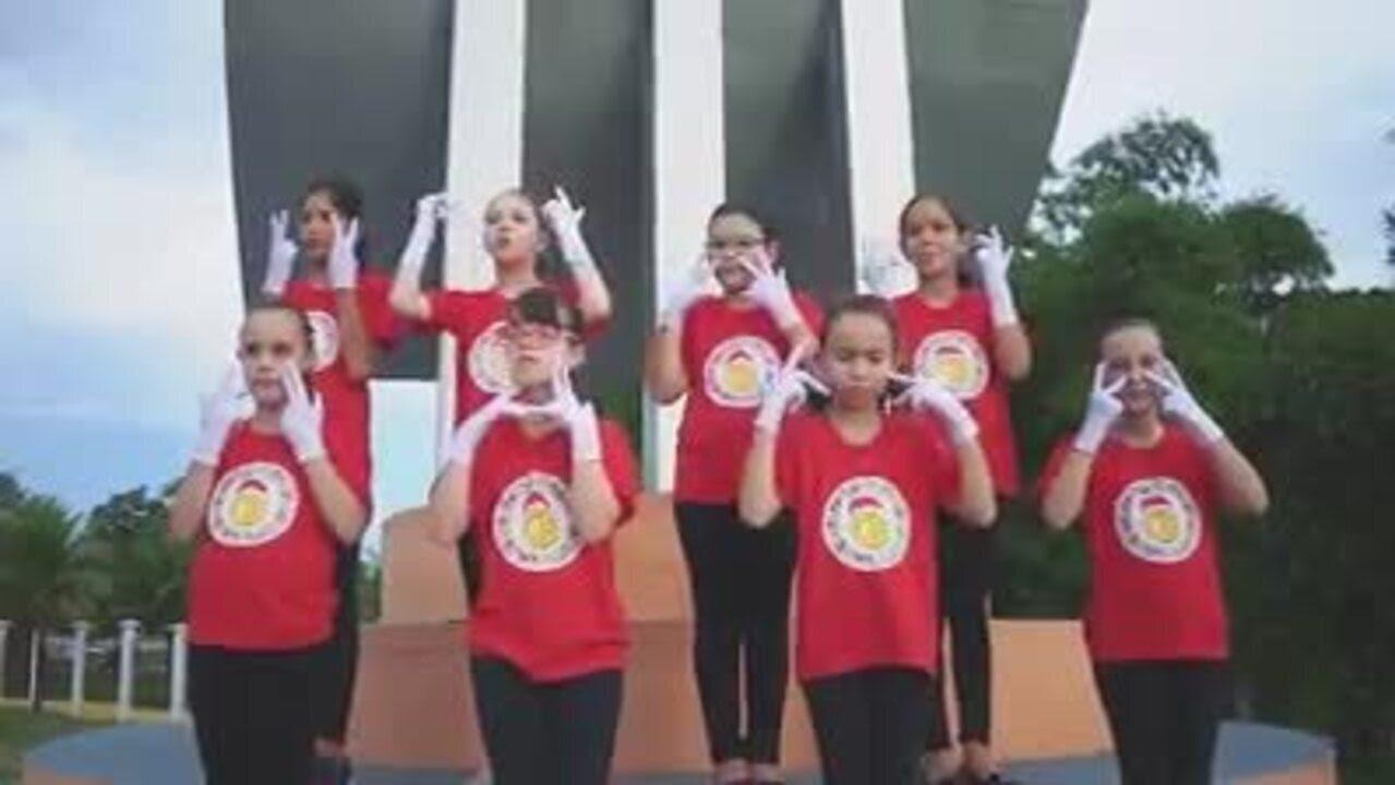 Resultado de imagem para Crianças cantam 'Era uma vez' de Kell Smith