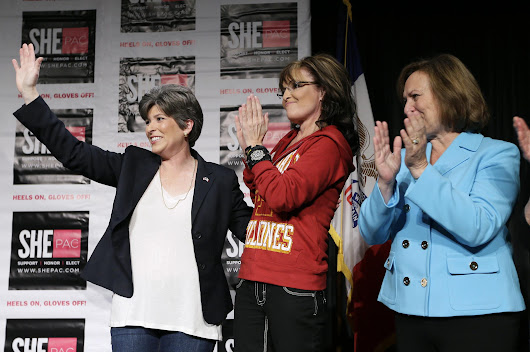 Iowa Race: Dems Worry, Sarah Palin Campaigns for