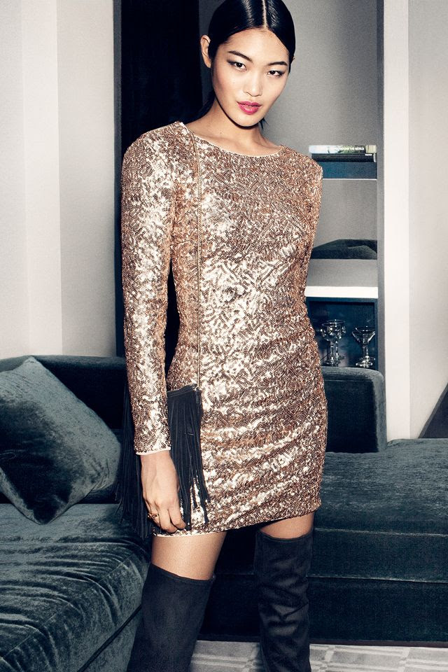 Fitted, long-sleeved dress with gold sequins & deep V-neck at back. | Party in H&M