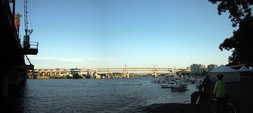 Under hawthorne bridge