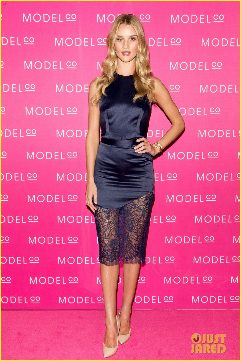 rosie huntington whiteley stuns lacy dress modelco launch 01
