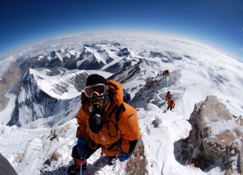 Croppedimage555400-everest3_large