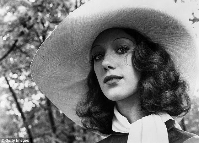 Essa menina Seventies: Um tiro de 1972 para o Cabaret, mostra o modelo que virou atriz e dois anos depois que ela apareceu na capa da Vogue.  A estrela tem repreendeu o estado da indústria de modelagem de hoje