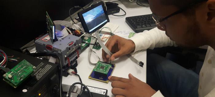 Ingenieros locales diseñan nuevas máquinas de recarga de tarjetas MIO