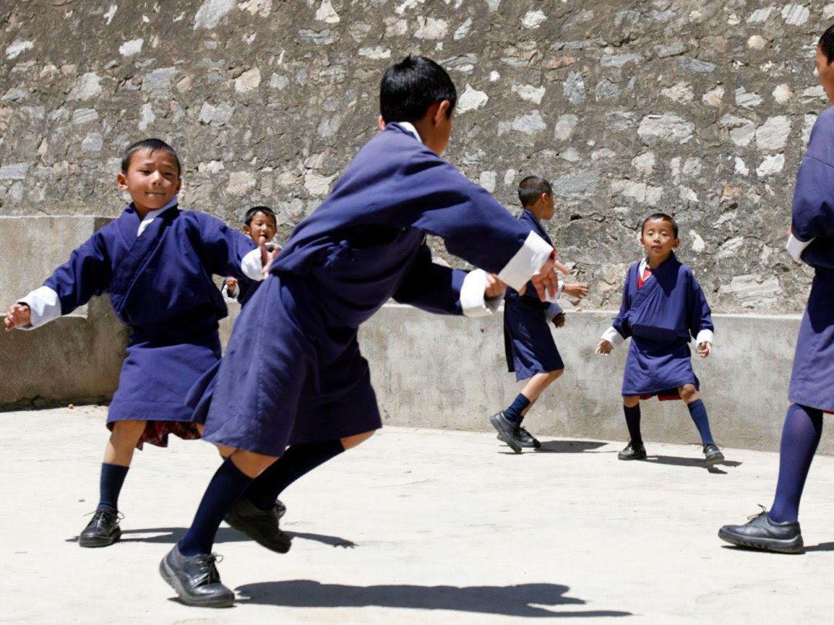 Como são os uniformes escolares em alguns países ao redor do mundo 14