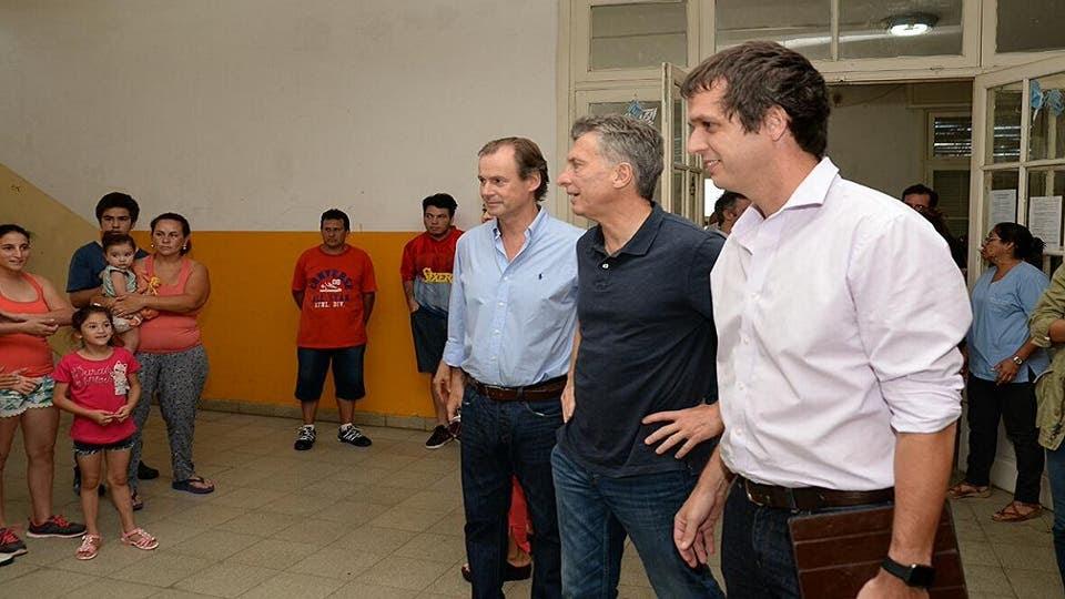 El presidente Mauricio Macri junto a Gustavo Bordet y  Enrique Tomás Cresto Twitter @bordet