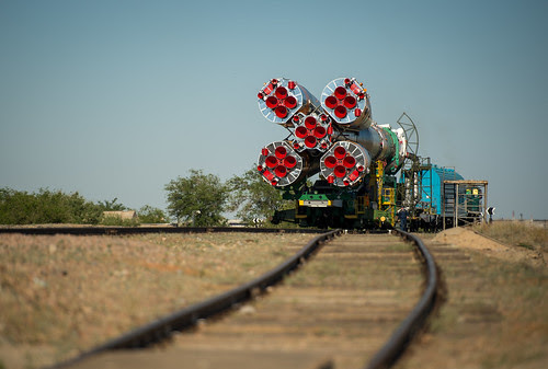 Expedition 36 Soyuz TMA-09M Rollout (201305260019HQ)