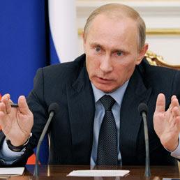 Siria, i ribelli respingono la proposta russa. Putin: il gas è usato da loro
