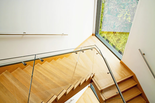 10 reasons to choose frameless glass balustrades staircase | Jack of Glass