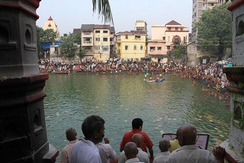 Pitru Paksh Banganga Walkeshwar 2012 by firoze shakir photographerno1