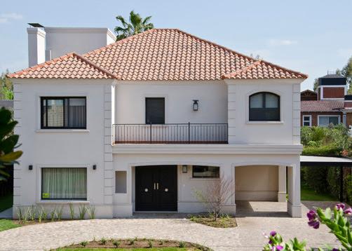 Casa de estilo cl sico moderno a o 2011 superficie 350m2 for Casas estilo clasico moderno
