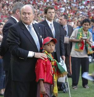foto martunis bersama pelatih portugal