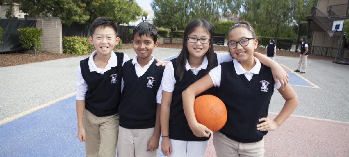 Como são os uniformes escolares em alguns países ao redor do mundo 15