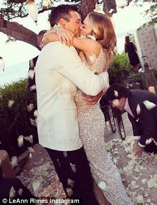 LeAnn Rimes celebrates wedding anniversary with Eddie