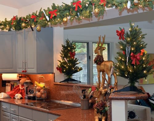 Kristmas Decorations On Top Of Kitchen Cupboards  Interior Beauty