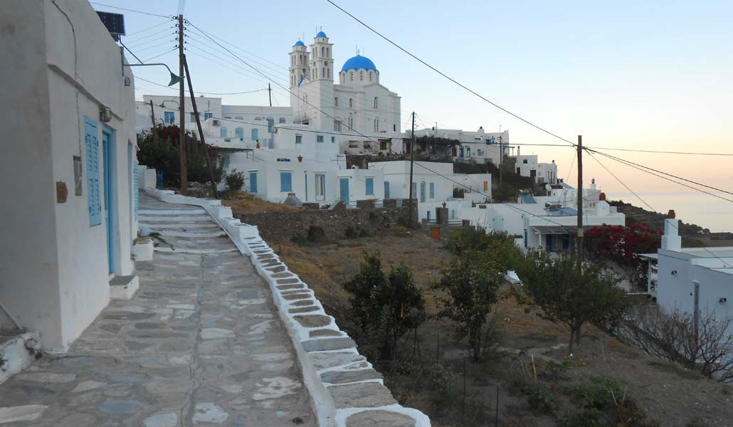 http://greekare.us/wp-content/uploads/2013/10/0792-sifnos-Apollonia.jpg
