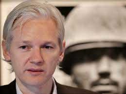 Assange libero, ma rimarrà in carcere