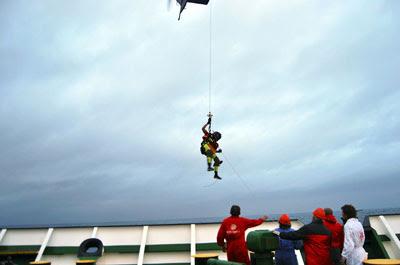 El buque Beatriz B rescata un naufrago en aguas del Atlántico