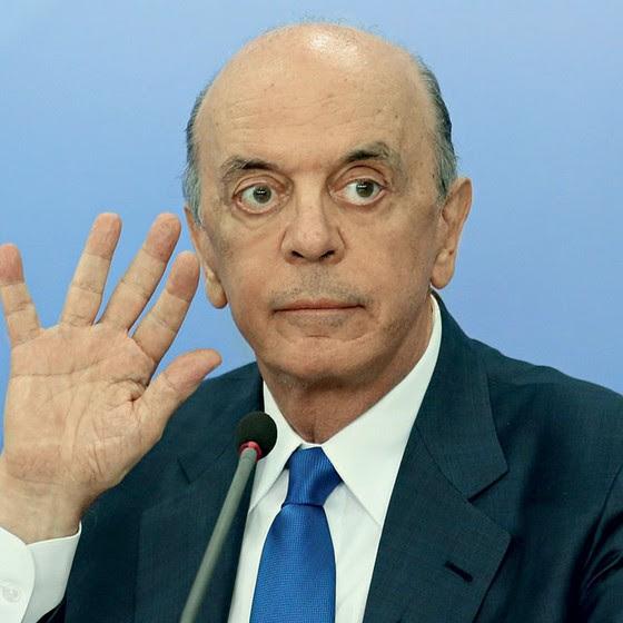 O ministro de Relações Exteriores, José Serra (Foto:  André Coelho / Agência O Globo)