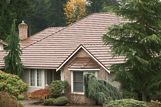 Shingles vs Wood Shakes: Advantages and Lifespans - GT Donaghue Construction & Metal Roofing, LLC