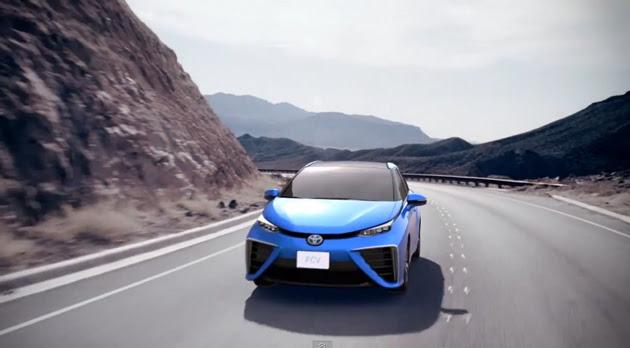 Cotxe de pila de combustible d'hidrogen de Toyota