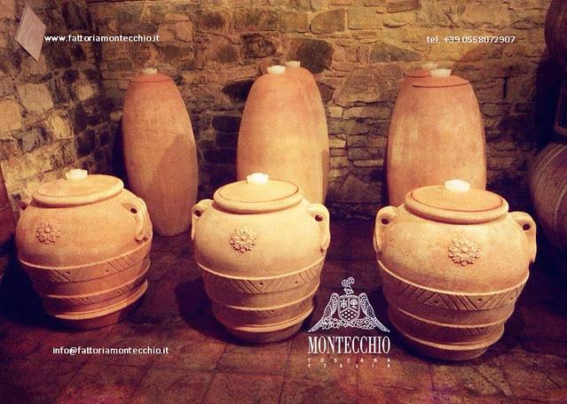 Vino affinato in anfore di terracotta, Fattoria Montecchio