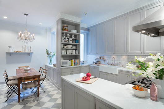 New This Week: 3 Stunning White-and-Gray Kitchens