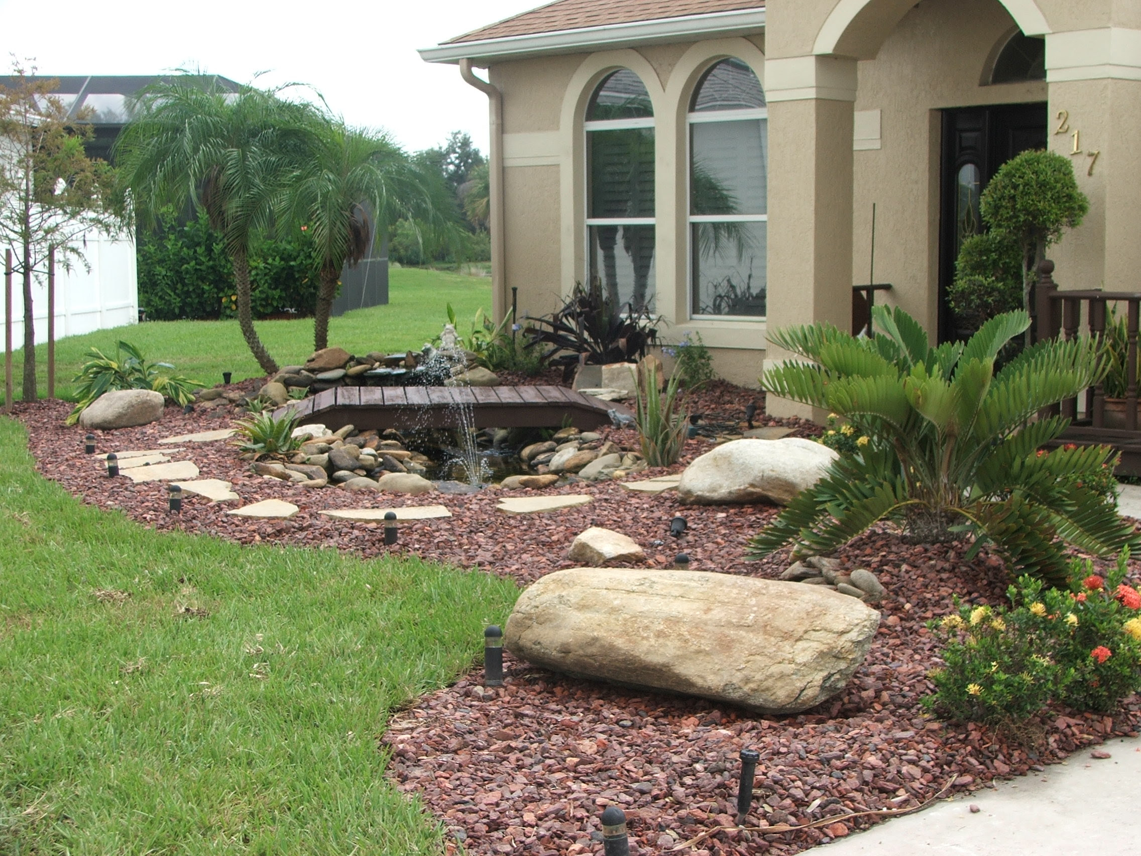 Landscaping Rock Pictures Home Landscaping Ideas