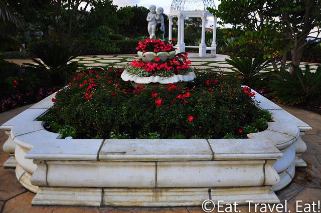 St Regis Monarch Beach- Dana Point, CA: Flower/ Fountain Combination