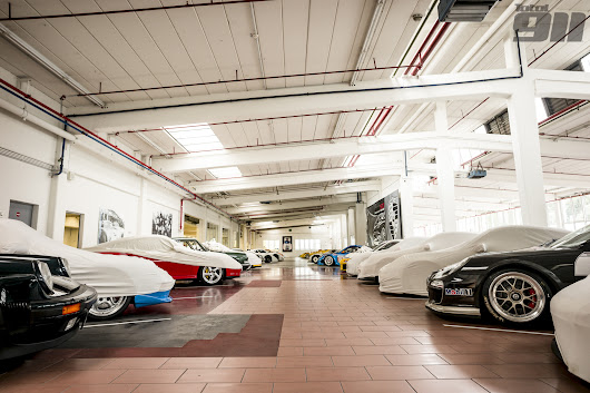 12 photos that make you want to live at Porsche's secret warehouse | Total 911