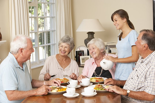 3 Reasons to Consider a Senior Living Community - Mayberry Gardens